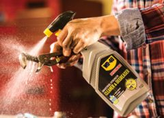WD 40 Specialist Cleaner Degreaser Action Shot 2