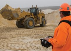 Cat 988K Wheel Loader with remotely located operator using Command for Loading 2